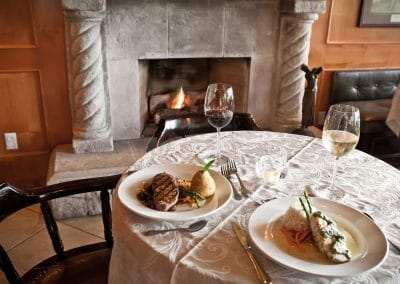 clubhouse-fireside-dining